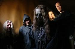 """Horror black metalo """"siaubai"""" iš Suomijos GLOOMY GRIM"""