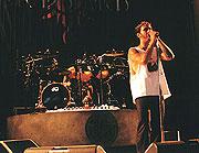 """Autorinės dainos konkursas """"Durys"""" 2003 kviečia grupes dalyvauti"""
