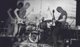 """SRAIGĖS EFEKTAS: """"Esame neįpareigojanti grupė – muzikos forma laisva"""""""