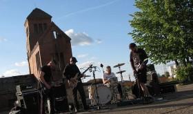 """Festivalis """"MountainRock'vol.7,5"""" apsilankys Kauno neformalų centru tapusiame klube """"Lemmy"""""""