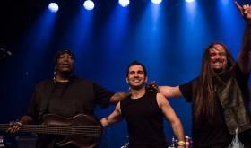 Bliuzroko trio TWIN DRAGONS Lietuvoje debiutuos iškart trimis koncertais