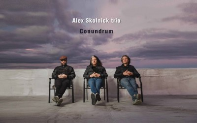"""Alex Skolnick Trio"""