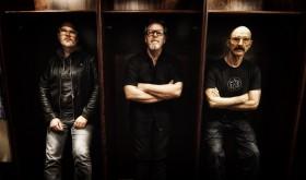 KING CRIMSON nariai T. Levinas ir P. Mastelotto koncertuos Lietuvoje su trio STICK MEN