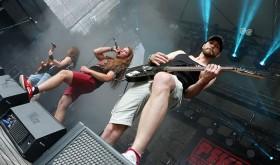 Lietuvos roko grupė PEKLA sukūrė dainą karantino nesilaikantiems idiotams